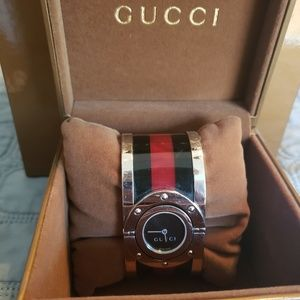 100% Authentic Gucci Large Web Twirl Watch